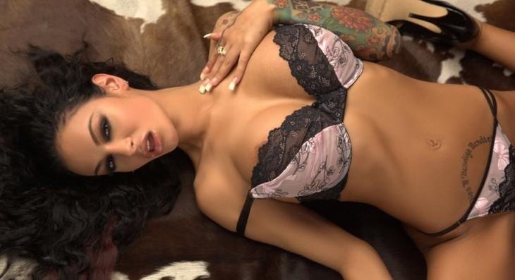 Angelina Valentine Escort