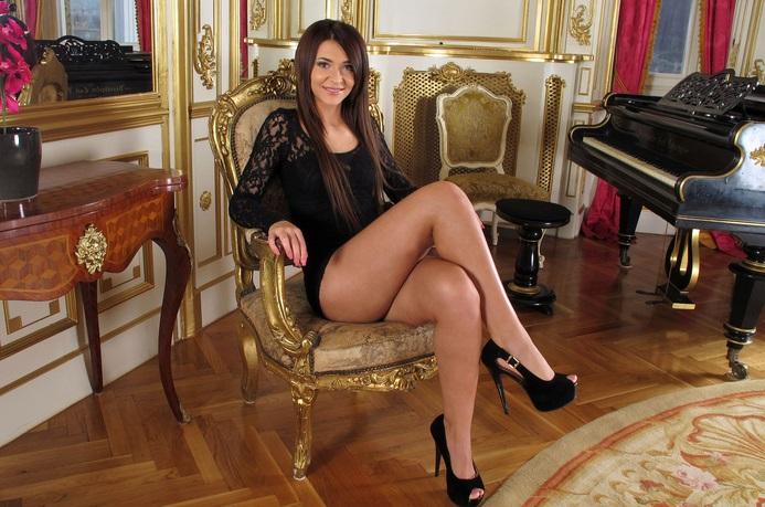 Alexis Brill Escort
