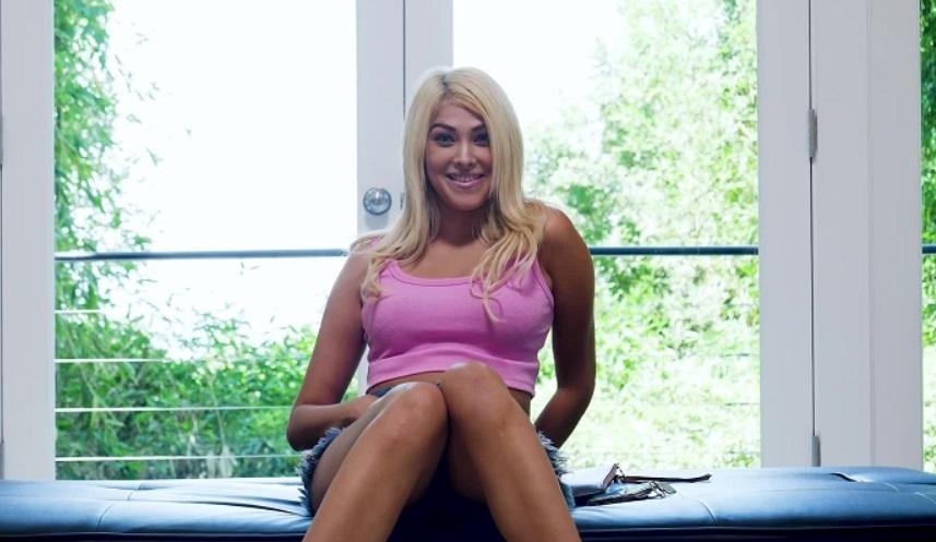 Stephanie West Webcam Show